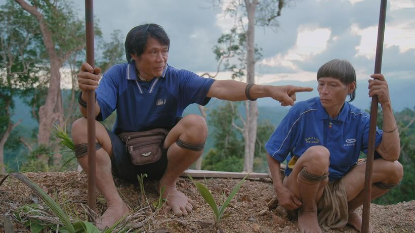 Blowguns Vs Bulldozers - The Last Nomads of the Sarawak